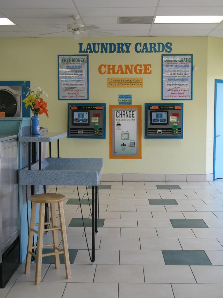 Laundry Card Dispensing Machine And Change Machine